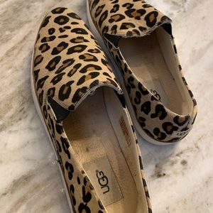 Adorable UGG leopard slip on